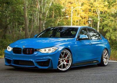 BLÅ BMW