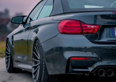 SVART BMW VOSSEN