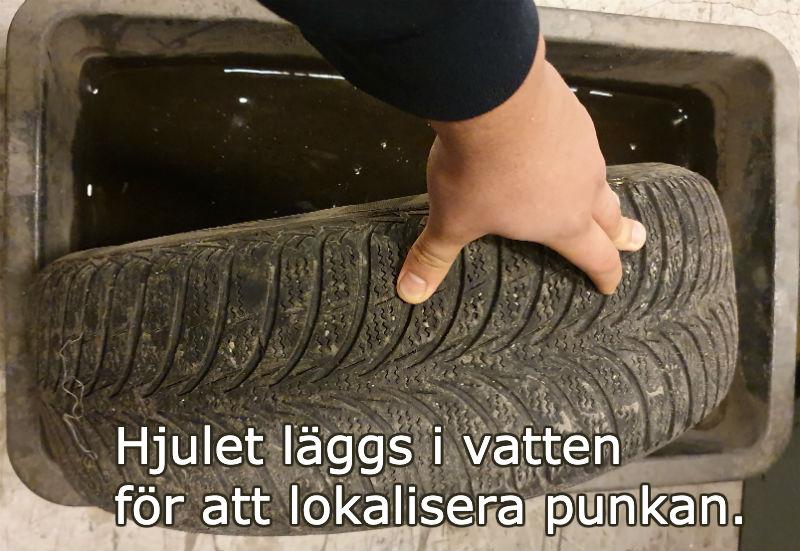 däck som tappar luft kontrollera med vatten